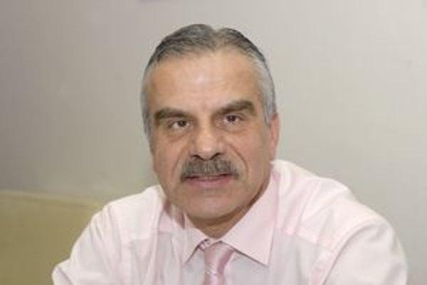 Riaditeľ Ján Valko. Pobavilo ho, že vdomove dôchodcov na Garbiarskej majú aj rovnomenného klienta Jána Valka.