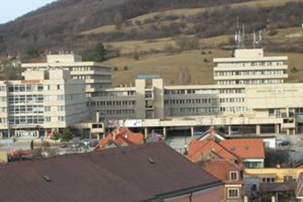 Nemocnica sv. Barbory v Rožňave je jednou zo štyroch, kam by mal vstúpiť strategický partner.