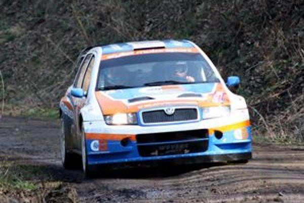 S jasným cieľom - úspešnou obhajobou majstrovského titulu - vstupovala do novej sezóny posádka Styllexu motorsport, Jozef Béreš jr. - Róbert Müller.