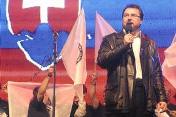 J. Dvorský odspieval slovenskú hymnu aj na nedávnych oslavách zisku tretieho titulu HC Košice.