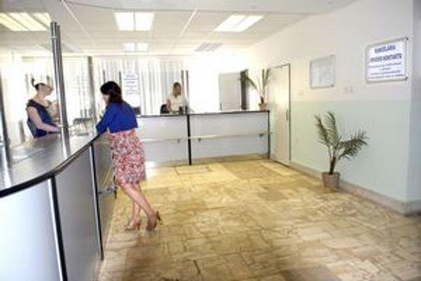 Skúška. Kancelárie prvého kontaktu sú teraz v skúšobnej prevádzke. Naostro začínajú od 1. júna.