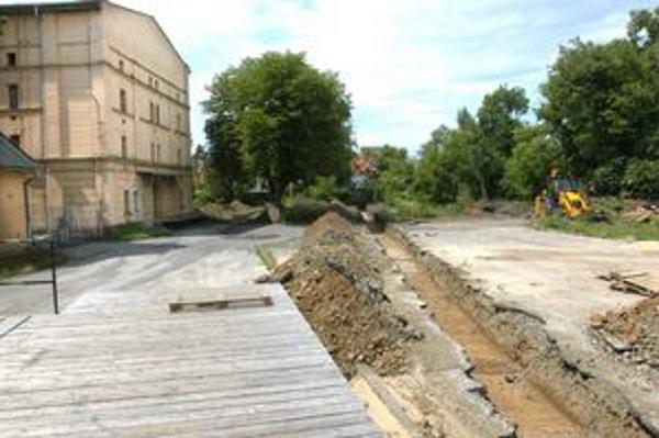 Prieskum. Archeológovia obsadili Kulturpark, ide o začiatok rekonštrukcie areálu.