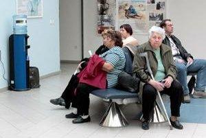 Kto nebude chcieť čakať u lekára bude mať zrejme od nového roka 2018 možnosť objednať sa za poplatok, po ordinačných hodinách.