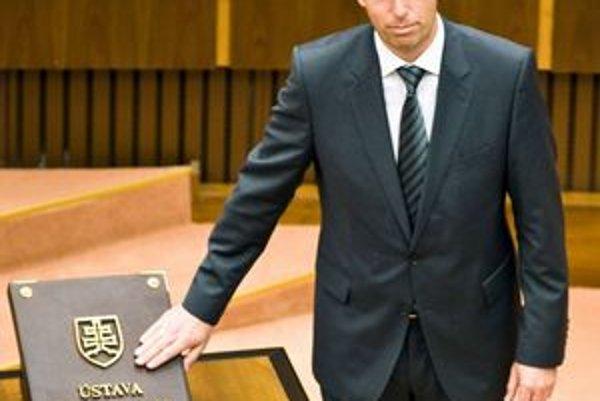 Ladislav Lazár sa stal poslancom, z Teplárne odchádza.