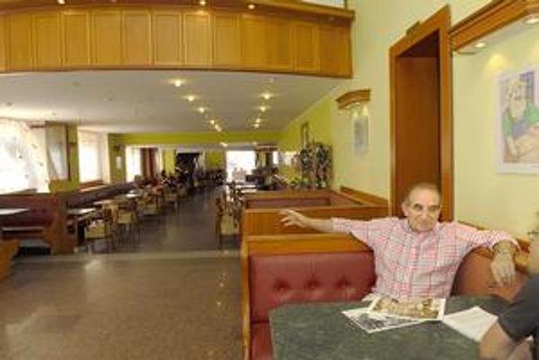 Macedónčan Rami Imeri (64). Robí v Košiciach zmrzlinu vyše 40 rokov. Prezradil, že každý deň zje i 6 - 7 dávok a najradšej má vanilkovú a čokoládovú.