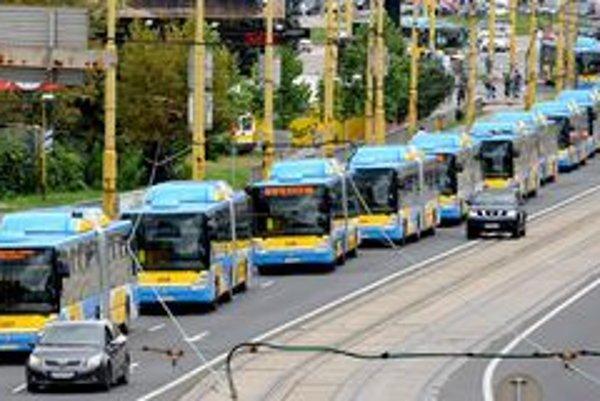 Nové autobusy v košických farbách.