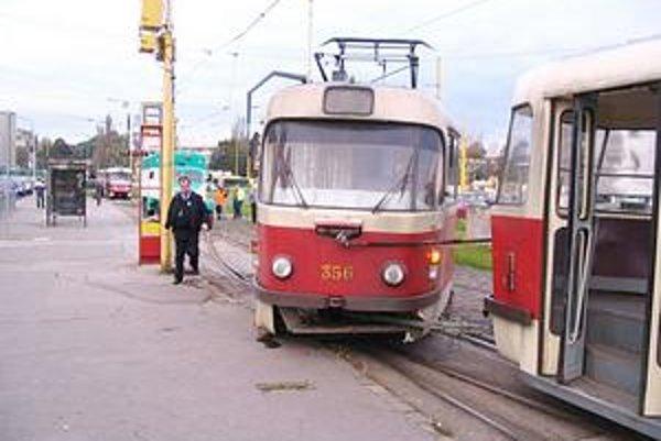 Zišla z trate. Dopravný podnik škodu vyčíslil na tisíc eur.