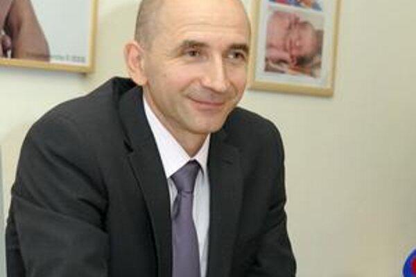 Riaditelia (na snímke Krcho) s opatreniami v zamestnaneckých radoch začnú v košických nemocniciach až na základe analýz.