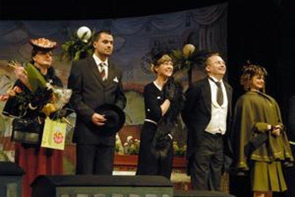 Mastný hrniec pobavil. Sarkastická komédia Júliusa Barč-Ivana žne aj po desiatkach rokov od svojho vzniku divácky úspech.
