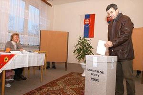 Volebné miestnosti zavrú skôr. Na rozdiel od iných volieb budú otvorené o dve hodiny kratšie - iba do 20.00 hod.