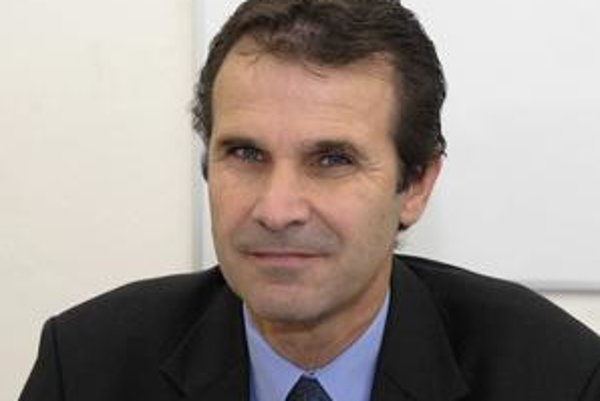 Ján Dečo. Mestský šéf KDH tvrdí, že dlhodobo upozorňoval na problémy v pravici. To hovoril aj jeho predchodca Kažimír...