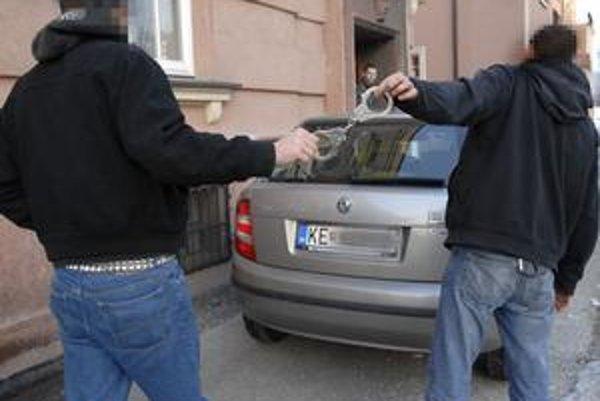 Peter a Jozef. Pri odchode od hasičov im už bolo do smiechu, predtým veľmi nie.