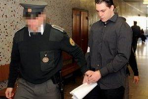 Ladislav Ščurko sa mal podľa svedkyne priznať k vražde Liptaja v kruhu kamarátov.