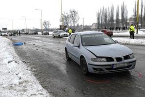 Lunik IX. Polícia skúma, či k zrážke došlo na priechode pre chodcov.