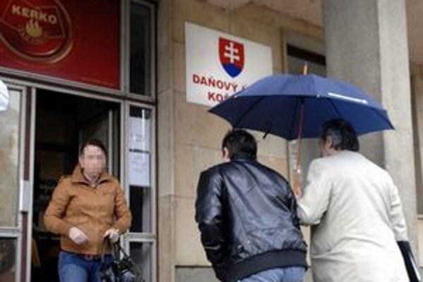 Kontroly v Košiciach. Vyšetrovanie prípadu spustili daňové kontroly na celom východe. Najviac nálezov postúpil polícii Daňový úrad Košice I.