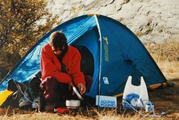 Počas potuliek tundrou Pavel prespával v stane.
