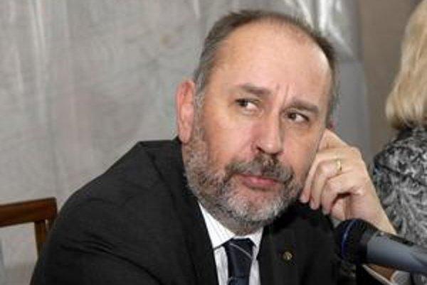 Daniel Rusnák (KDH). Spolu s Pajtášom z SDKÚ bol kandidátom pravice na post viceprimátora. Za starostu KVP už nekandidoval, za námestníka ho nezvolili poslanci.
