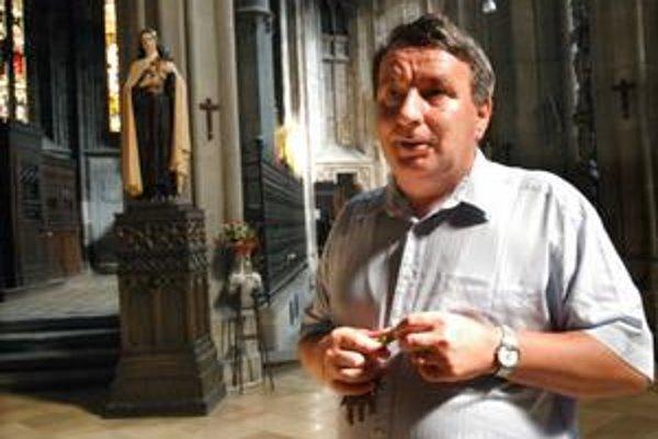 Správca Jozef Kožuško. Tvrdí, že každý zlodej sa v Dóme sv. Alžbety ocitne v pasci, z ktorej niet úniku.