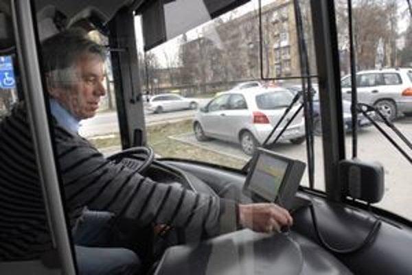 Od júla by už mýtny systém nemal komplikovať život košickej mestskej doprave. Sú však ešte potrebné kroky oboch zainteresovaných strán.