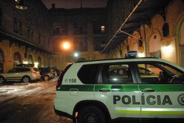 Vyšetrovanie na mieste prebiehalo do neskorej noci.