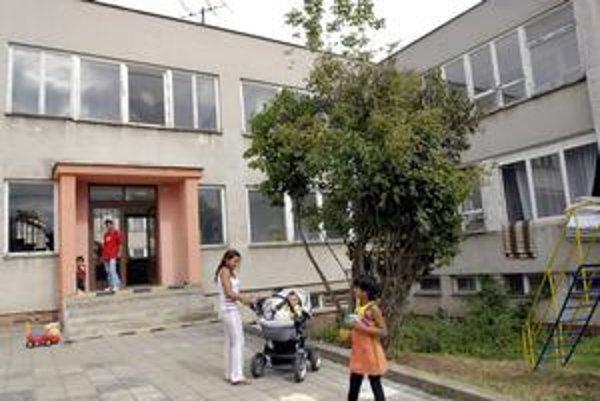 Krízové centrum v ohrození. Občania Košickej Novej Vsi hromadne podpísali petíciu.