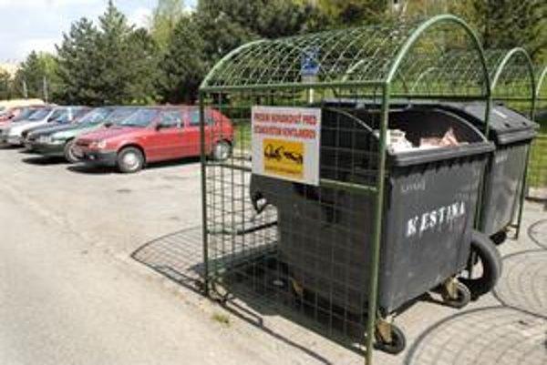 Tabuľky. Pracovníkom Kositu majú sprístupniť odpad.