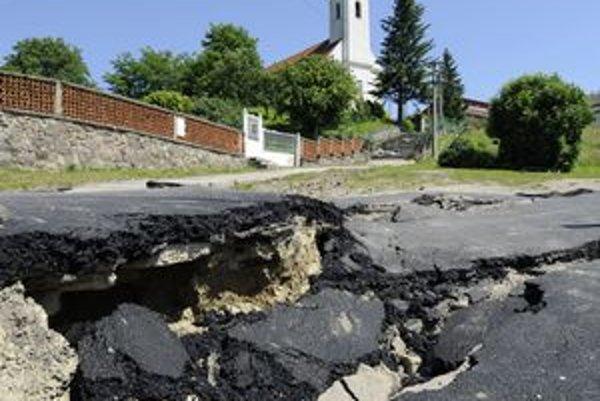 Katastrofálny zosuv pôdy v Nižnej Myšli bude mať zrejme ďalekosiahle následky pre budúcnosť obce.