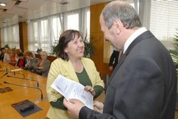 Kapacita nepostačuje. Riaditeľka MŠ Hrebendova Anna Klepáčová bude na L IX riaditeľkou už tretie funkčné obdobie.