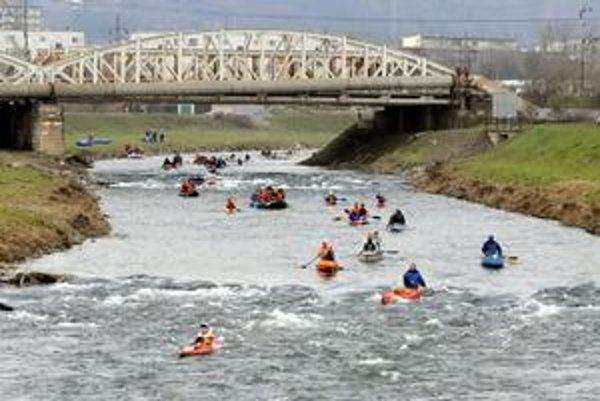 Hornád - Vodácka trať má byť aj v tomto úseku rieky.
