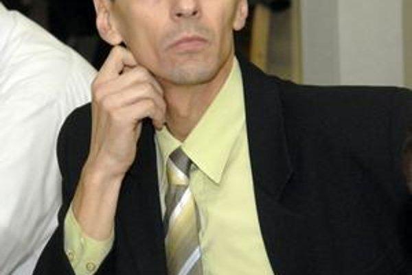 Bernard Berberich. Žiadal zverejnenie hlasovaní na internete.