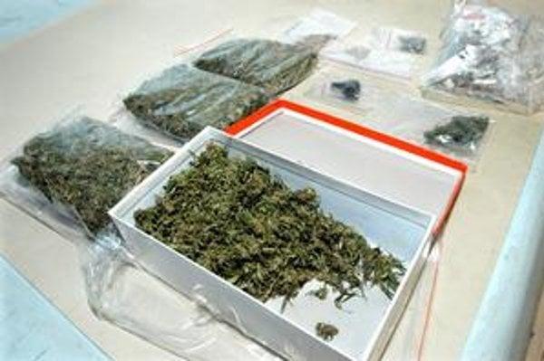 Sušený špenát pripomínal marihuanu.