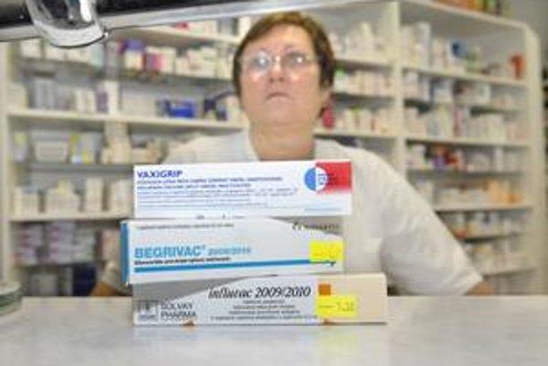 Malý záujem. Vidieť v lekárni človeka, ktorý si kupuje vakcínu, je v týchto dňoch zriedkavé.