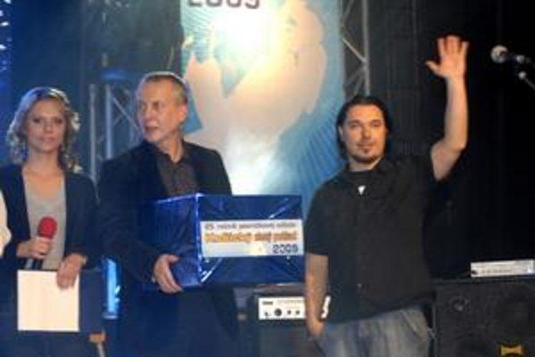 Spevák Ján Mitaľ. Z úspechu na KZP sa teší, verí, že s kapelou prerazia.