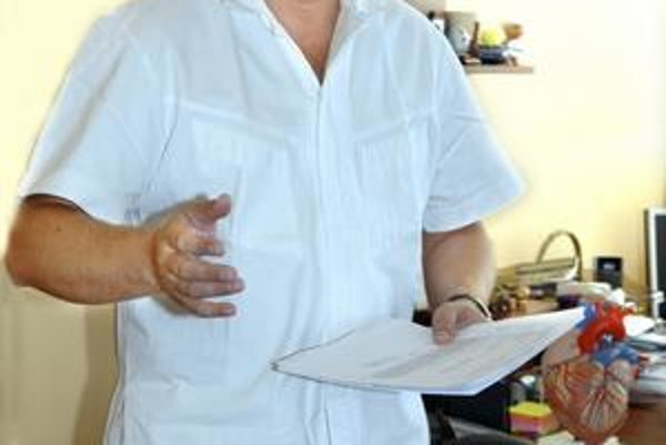 MUDr. František Sabol. Minulý rok vo VÚSCH vykonali tisíc operácií srdca.