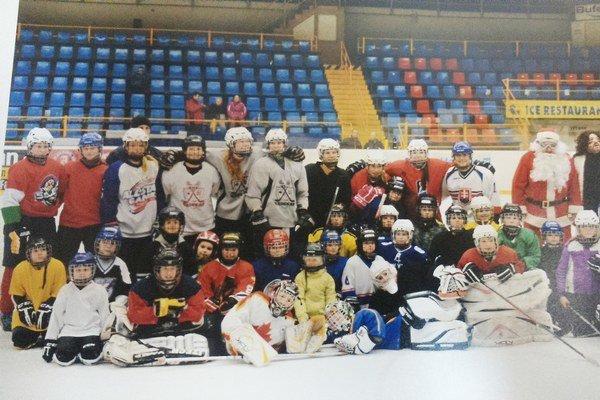 Šarišanka. Mladé hokejistky majú za sebou viaceré úspechy.