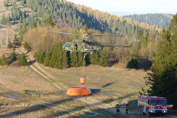 Hasenie lesného požiaru v Levočských vrchoch.