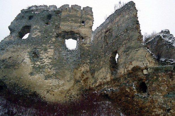 Peniaze z projektu sa ušli aj hradu Čičava vo Vranovskom okrese.