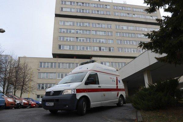 Prvý prípad na Slovensku potvrdili v prešovskej nemocnici.
