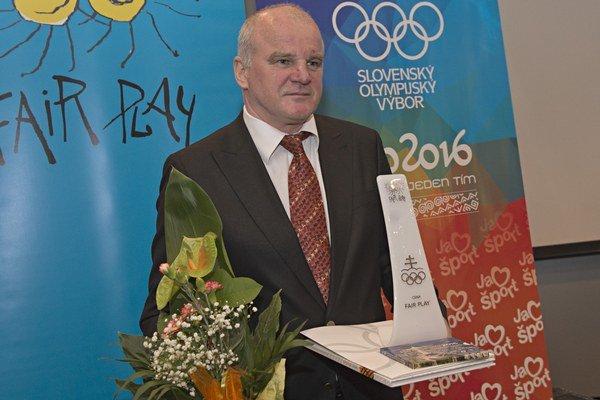 Prešovská hokejová legenda. Igor Liba si prevzal prestížne ocenenie.