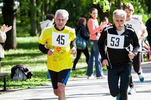 Vincent Bašista (vľavo). Stále podáva výborné športové výkony.