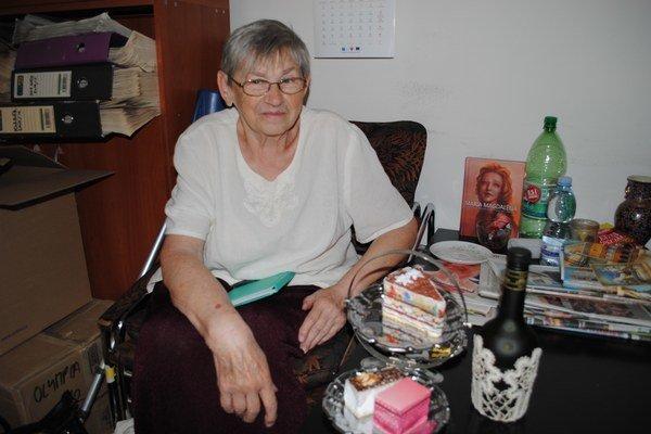 Barbora Šimková. Je predsedníčkou Soľnobanského čipkárskeho cechu.