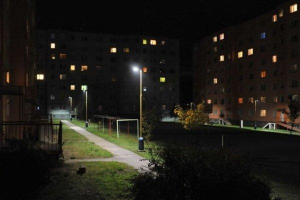 """Nové """"ledky"""". Už osvetľujú niektoré ulice."""
