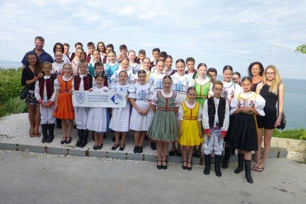 V Bulharsku zožali folkloristi obrovský úspech.