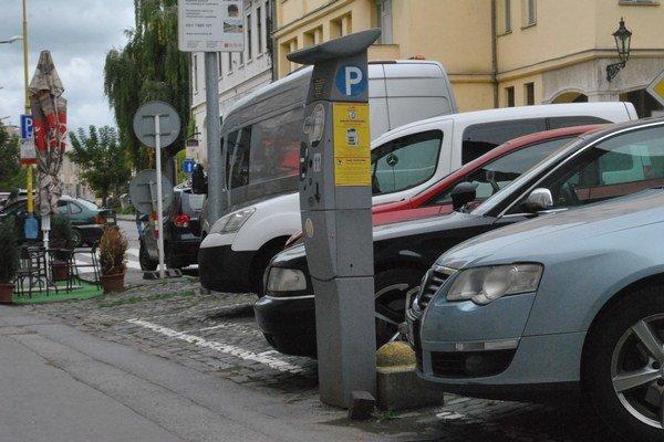 Parkovanie v Prešove. Zmenilo správcu, súkromníka vystriedala mestská firma.