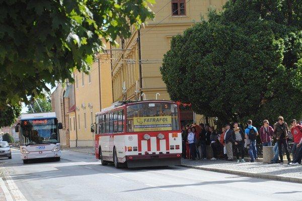 Trolejbusy o rok možno budú premávať aj cez Rusínsku a Kuzmányho ulicu.