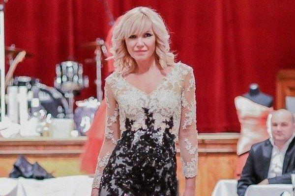 Mrs. Globe Renáta Tokárová. V nádherných šatách sa vždy cíti dobre.