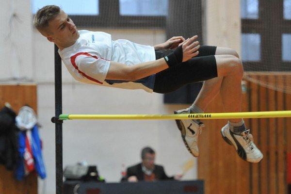 Junior Soták skočil 185 cm.