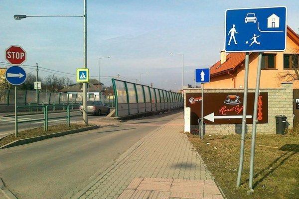 Dopravná značka obytnej zóny.
