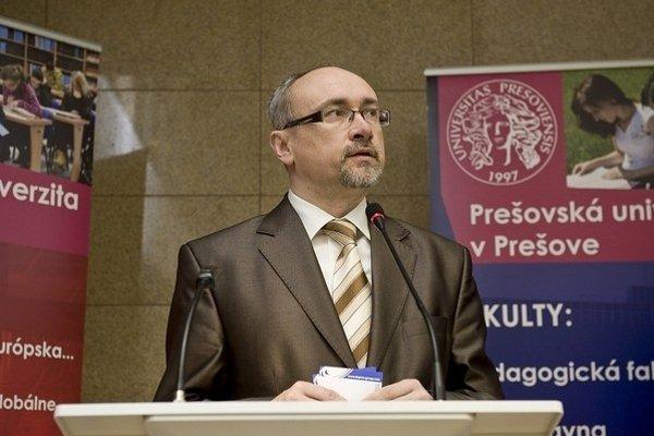 Profesor René Matlovič po ôsmich rokoch končí vo funkcii rektora Prešovskej univerzity.