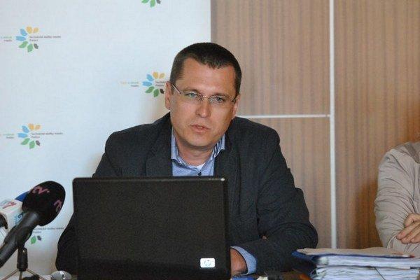 Jozef Višňovský. Podľa exriaditeľa je konanie nového predstavenstva účelové.